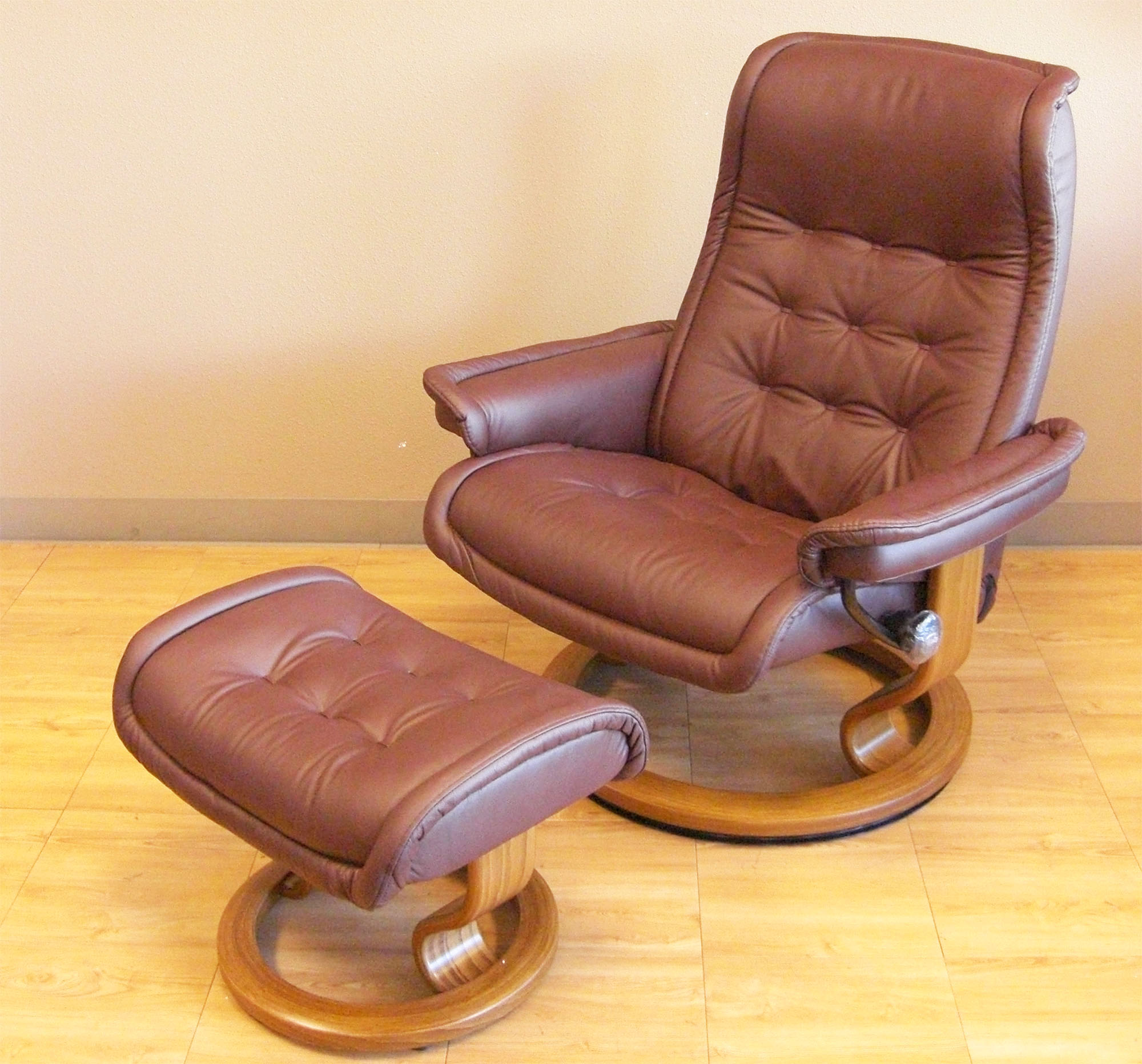 zero gravity office chair with Stressless Royal Paloma Coffee Leather Recliner Chair on Stressless Royal Paloma Coffee Leather Recliner Chair further 200973202091779331 in addition fineback co in addition Full Recliner Chair in addition massagechairland.